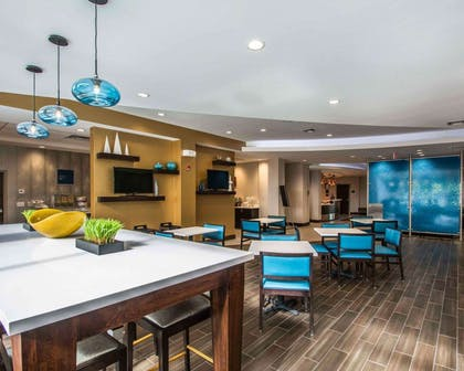 Spacious breakfast area | Comfort Suites Fort Lauderdale Airport South & Cruise Port