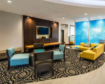 Spacious lobby with sitting area | Comfort Suites Fort Lauderdale Airport South & Cruise Port
