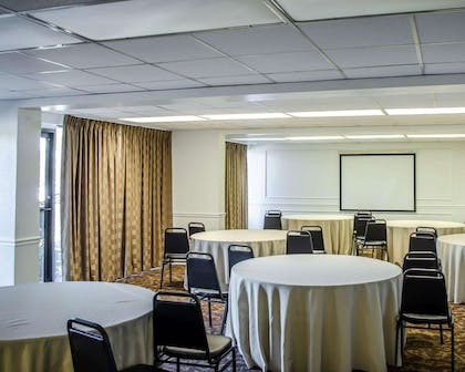 Meeting room | Quality Inn & Suites Pensacola Bayview