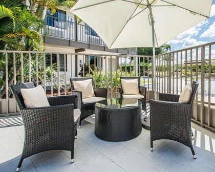 Relax on the hotel patio | Quality Inn & Suites By the Parks