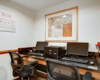 Business center with free wireless Internet access | Comfort Suites Weston - Sawgrass Mills South