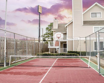 Tennis Court | Mainstay Suites