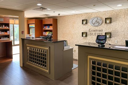 Front desk | Comfort Suites Columbus State University Area