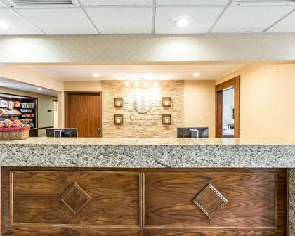 Front desk with friendly staff | Comfort Inn & Suites near Robins Air Force Base