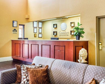 Hotel lobby | Comfort Inn & Suites at Stone Mountain