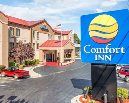 Hotel exterior | Comfort Inn & Suites at Stone Mountain