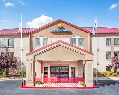 Comfort Inn & suites at Stone Mountain hotel in Stone Mountain, GA | Comfort Inn & Suites at Stone Mountain