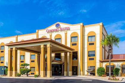 Hotel exterior   Comfort Suites near Robins Air Force Base