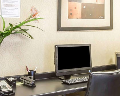 Business center with free wireless Internet access   Comfort Suites Northlake