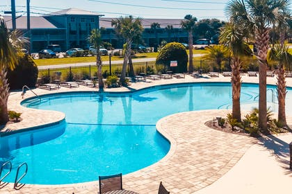 Outdoor pool | Seafarer Inn & Suites, Ascend Hotel Collection