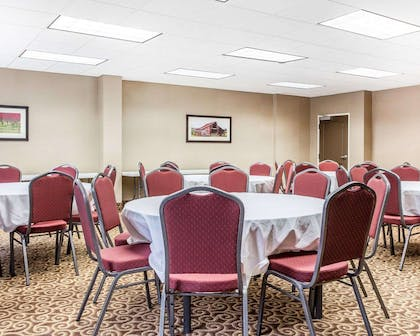 Large space for receptions, parties, anniversaries and business meetings | Comfort Suites Morrow- Atlanta South