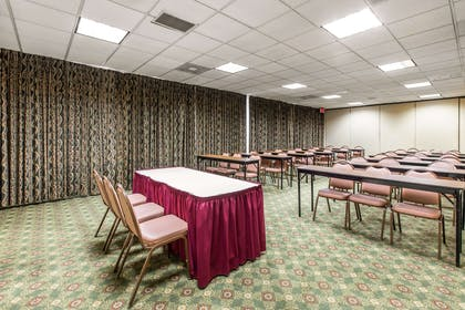 Meeting room | Quality Inn & Suites Conference Center