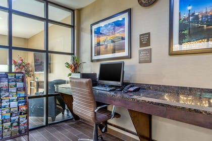 Business center | Comfort Suites Gateway