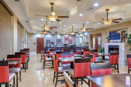 Breakfast area | Comfort Suites Gateway