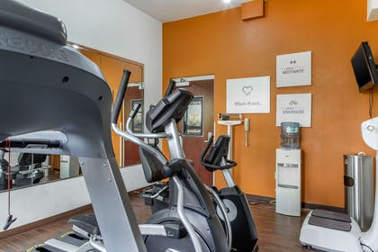 Fitness center | Comfort Suites Gateway