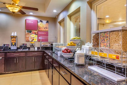 Breakfast bar | Comfort Suites Gateway