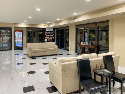 Spacious lobby with sitting area   Comfort Suites Kings Bay Naval Base Area