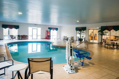 Indoor pool | Comfort Suites Milledgeville