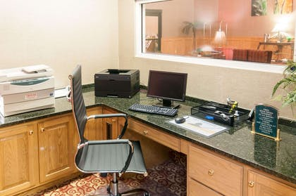 Business center with free wireless Internet access | Comfort Suites Milledgeville