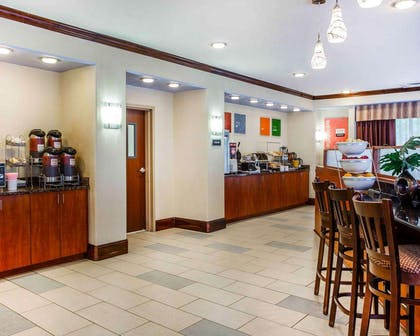 Breakfast counter | Comfort Suites At Kennesaw State University