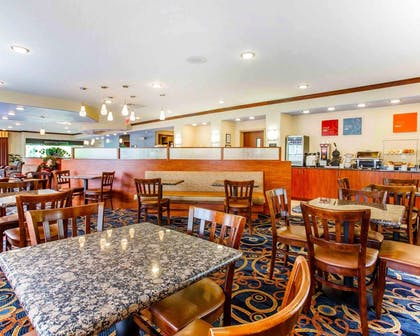 Breakfast room | Comfort Suites At Kennesaw State University
