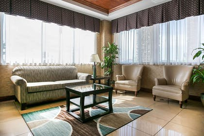 Lobby with sitting area | Comfort Suites Augusta