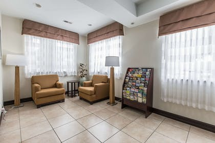 Lobby with sitting area | Sleep Inn and Suites at Kennesaw State University