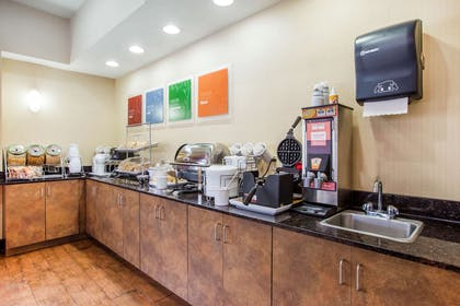 Free breakfast with waffles | Comfort Suites Golden Isles Gateway