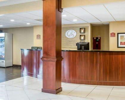Front desk with friendly staff | Comfort Suites Atlanta Airport