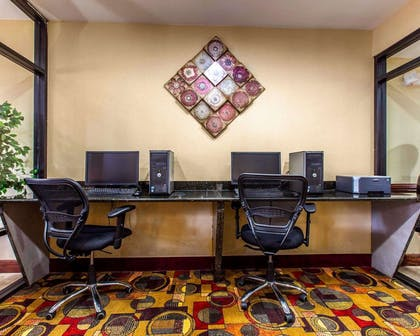Business center with high-speed Internet access | Comfort Suites Waycross