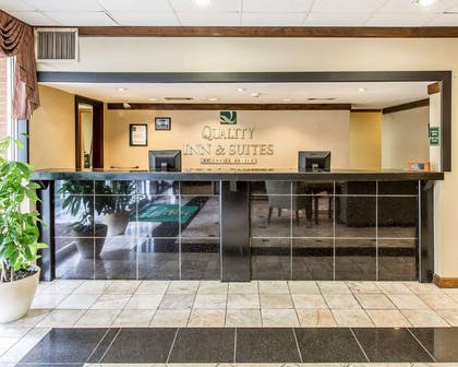 Hotel lobby | Quality Inn And Suites