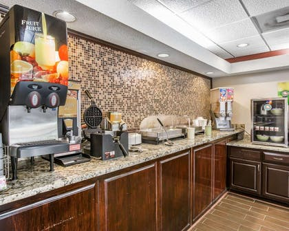 Free hot breakfast | Quality Inn & Suites