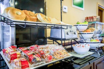 Assorted breakfast items | Comfort Inn & Suites