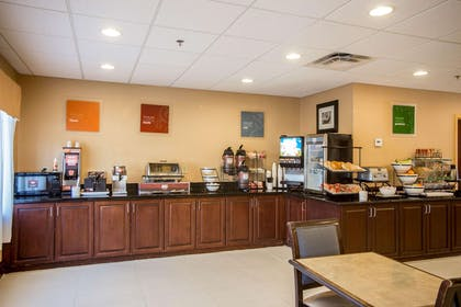 Breakfast counter | Comfort Inn & Suites