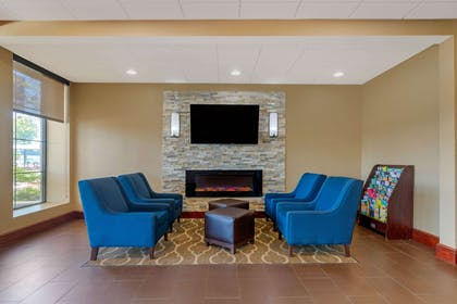 Lobby with sitting area   Comfort Inn & Suites West