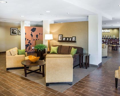 Hotel lobby   MainStay Suites Cartersville - Emerson Lake Point