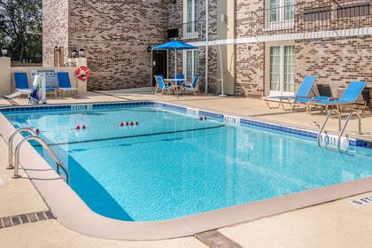 Relax by the pool | Comfort Inn