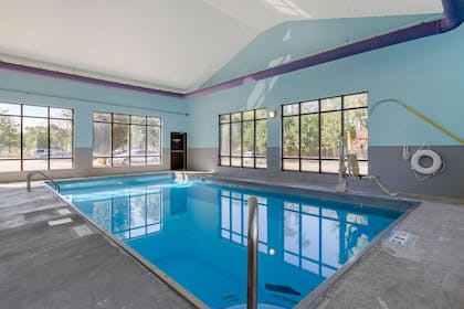 Indoor pool | Econo Lodge Inn & Suites Fairgrounds