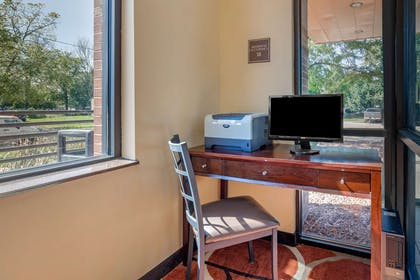 Business center | Econo Lodge Inn & Suites Fairgrounds