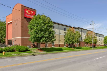 Hotel exterior | Econo Lodge Inn & Suites Fairgrounds