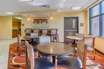 Hotel lobby | Econo Lodge Inn & Suites Fairgrounds