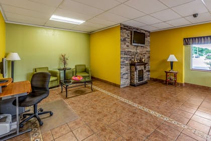 Spacious lobby with sitting area | Econo Lodge Inn & Suites