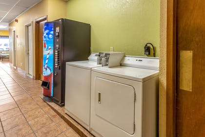 Guest laundry facilities | Econo Lodge Inn & Suites