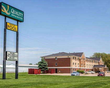 Quality Inn & Suites hotel in Davenport, IA | Quality Inn & Suites Davenport near I-80