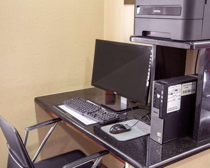Business center with high-speed Internet access | Comfort Inn & Suites
