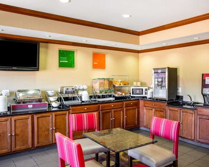 Hot and cold breakfast buffet | Comfort Inn & Suites