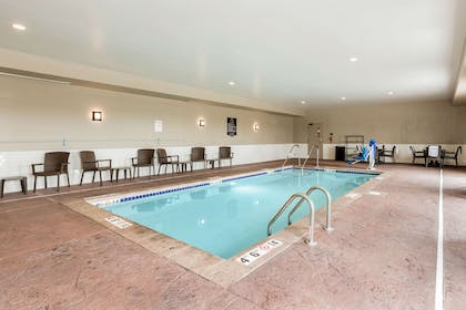 Indoor pool with hot tub | Sleep Inn & Suites West Des Moines near Jordan Creek