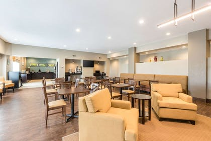 Spacious breakfast area | Sleep Inn & Suites West Des Moines near Jordan Creek