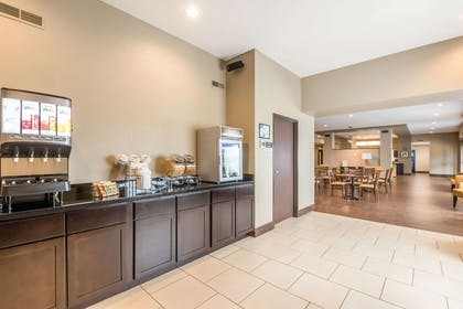 Breakfast counter | Sleep Inn & Suites West Des Moines near Jordan Creek