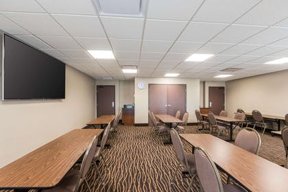 Meeting room | Sleep Inn & Suites West Des Moines near Jordan Creek